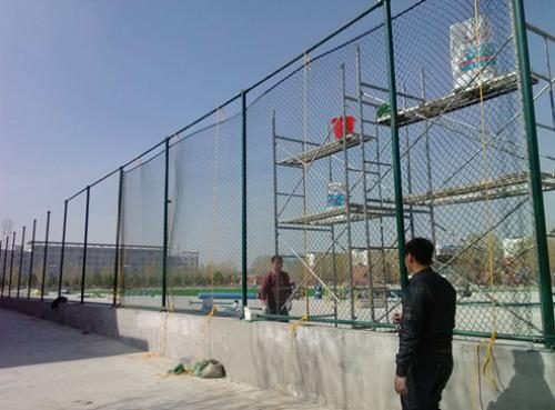 体育场围网规格